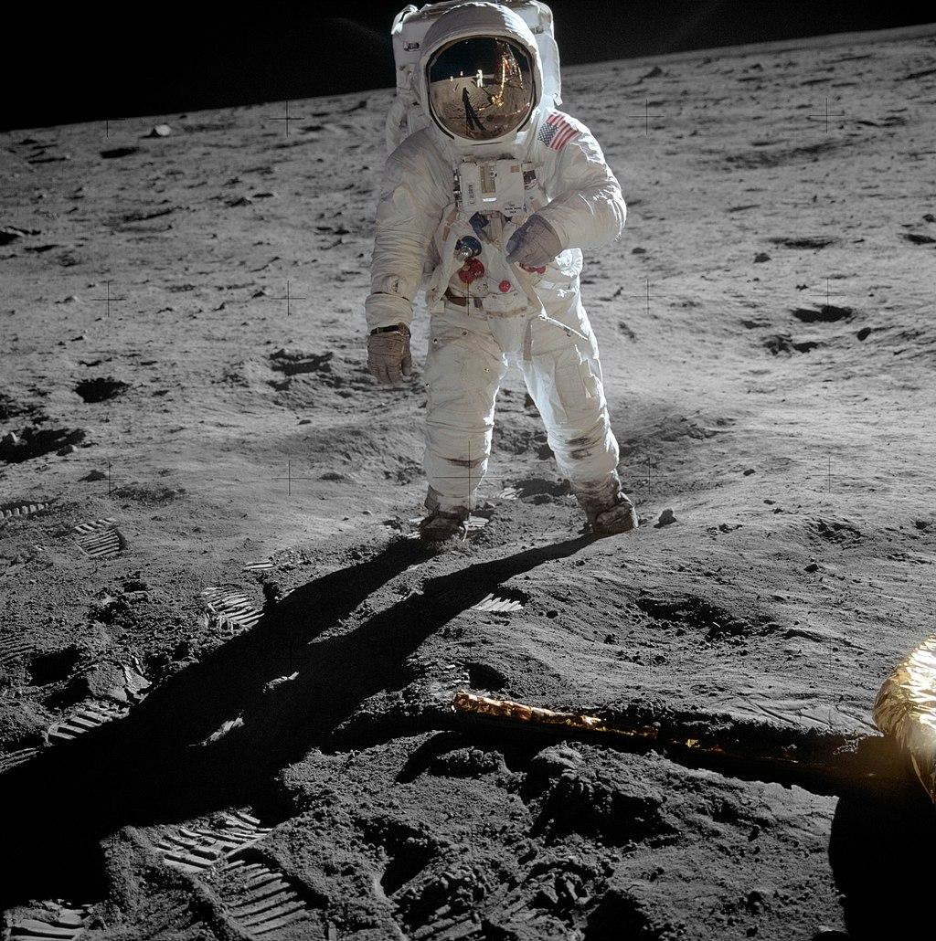 Aldrin Apollo 11 original.jpg