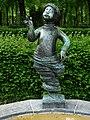 Alexander Zschokke (1894–1981) Bildhauer. Winkelriedplatz-Brunnen von 1949. Brunnenfigur-Mädchen, Detail.jpg