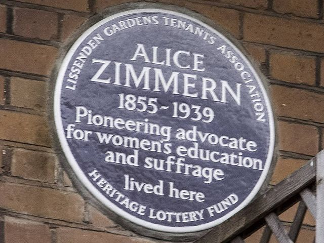 Brown plaque № 31032 - Alice Zimmern 1855-1939 pioneering advocate for women's education and suffrage lived here