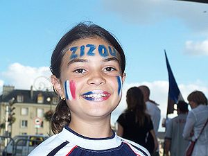 English: A young French girl celebrating Zined...