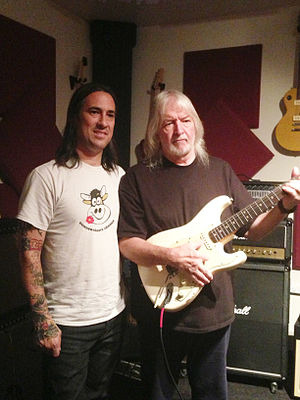 Cowtown Guitars - In June 2013, Jesse Amoroso and Seymour Duncan authenticate a guitar once owned by Jimi Hendrix.