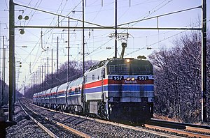 GE E60 - Image: Amtrak 957 leading a northbound train through Bowie, December 1980