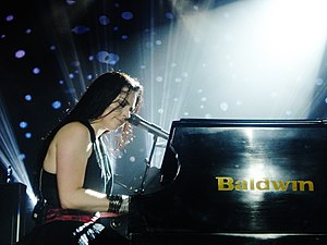 Baldwin Piano Company - Evanescence's Amy Lee performing in 2011.