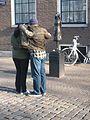 Anne Frank beeld Westerkerk (1).jpg