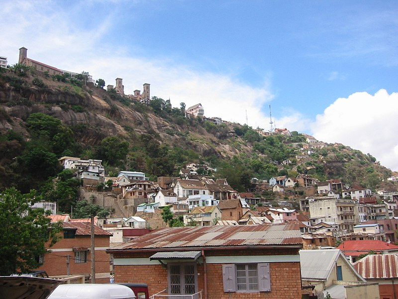 File:Antananarivo Rova-Palast.jpg