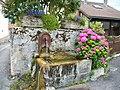 Antichan-de-Frontignes fontaine 2.jpg