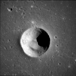 Anville (crater) - Image: Anville crater AS11 42 6302