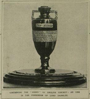 The Ashes urn Terracotta urn