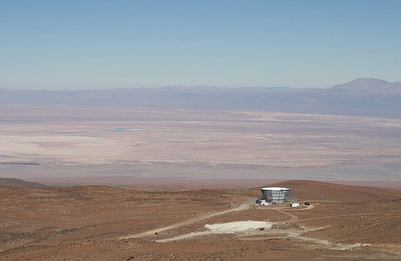 تلسكوب أتاكاما الكوني في صحراء تشيلي