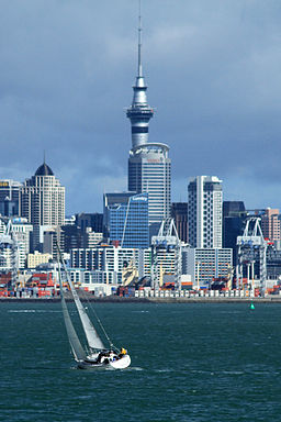 Auckland Harbour View 09 (5642297539) - By Ronnie Macdonald from Chelmsford, United Kingdom (Auckland Harbour View 09  Uploaded by russavia) [CC-BY-2.0 (http://creativecommons.org/licenses/by/2.0)], via Wikimedia Commons