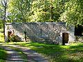Aumont-en-Halatte (60), lavoir - façade est, chemin du Lavoir.jpg