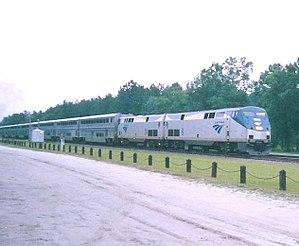 English: Amtrak's Auto Train passing the Railf...