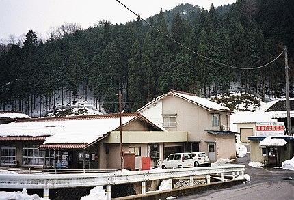 あわくら温泉元湯(2004年当時、2011年休業前の建物)