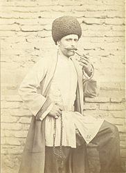 Azerbaijani man with prayer beads.jpg