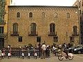 Bícing davant el palau Centelles.jpg