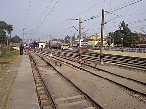 Barasat Junction railway station - platform No. 3, 4 and 5 - IMG 2019-12-15 141228.jpg