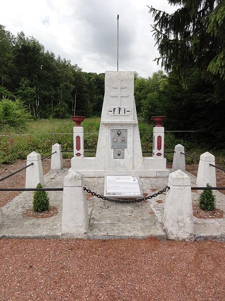 Barisis-aux-Bois (Aisne) monument résistants FFI