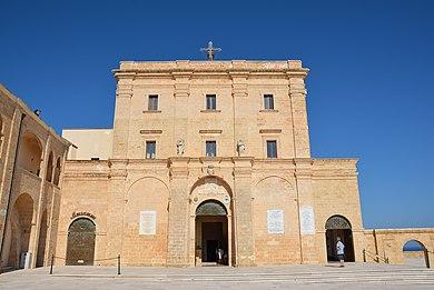 Basilica di Santa Maria de Finibus Terrae 4.JPG