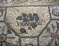 Basilica di aquilieia, museo e scavi , mosaico con animali, lumache.JPG