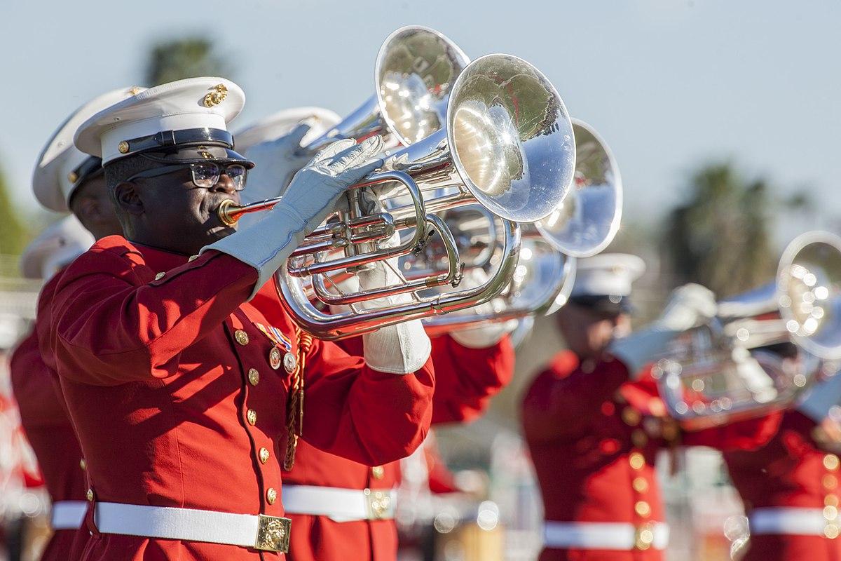 Drum and bugle corps (classic) - Wikipedia
