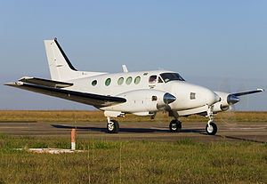 Beech C90 King Air AN1259816.jpg