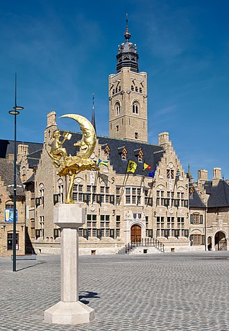 Diksmuide - The town hall and belfry