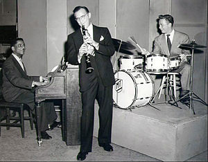 Mel Tormé - Tormé on drums with Benny Goodman and Teddy Wilson