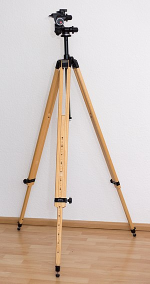 Tripod (photography) - Berlebach Tripod Report 422 made from wood (ash)