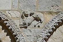 Berneuil 16 Église détails façade 2014.jpg