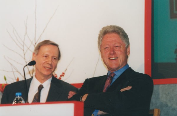 Bill Clinton with Professor Anthony Giddens (Joint Chair), 2001