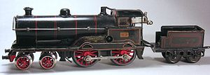 Bing (company) - Clockwork-driven locomotive George the Fifth, ca. 1922. Tender not original