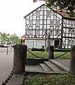 Blick zum Geschäftshaus Polstermöbel-Henke - Eschwege Marktplatz 21-23 - panoramio.jpg