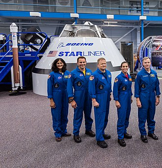 Boeing CST-100 Starliner - Image: Boeing CST 100 Starliner and astronauts 2018