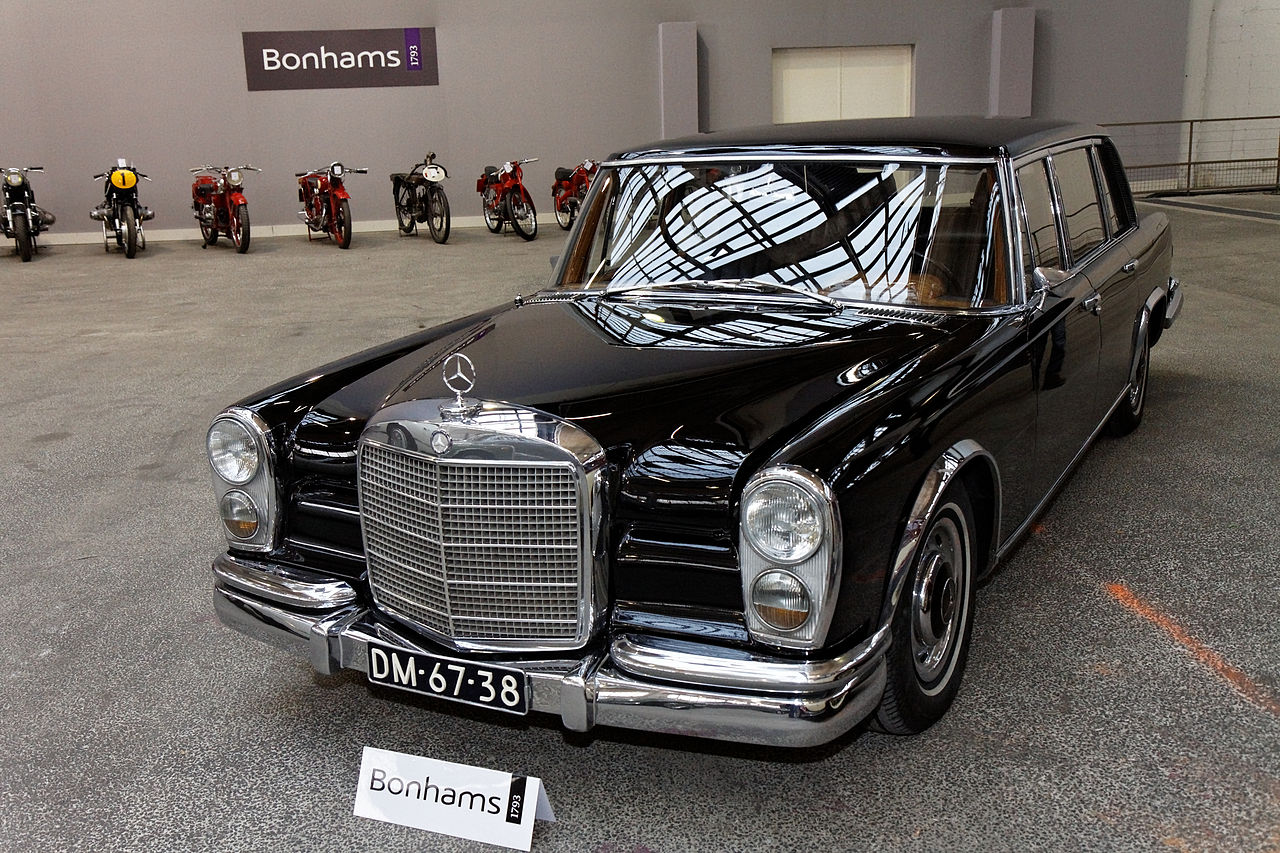 Image gallery mercedes 600 limousine for Mercedes benz limo for sale