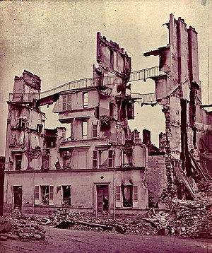 House ruin in Saint-Cloud, photo to document the war damage, developed around 1871 in Adolphe Braun's Paris studio