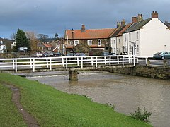 Bridge over the Leven at Great Ayton - geograph.org.uk - 1639516.jpg