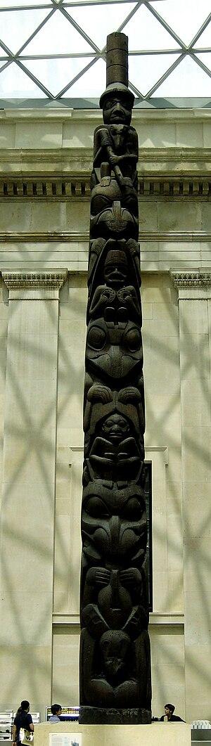 Kayung totem pole - Image: British Museum Totem Pole 1