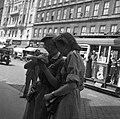 Budapest VIII., Blaha Lujza tér. Az első Leánycserkész Világtalálkozó résztvevői kiránduláson. Fortepan 55837.jpg