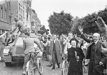 Munich agreement wikipedia sudeten germans cheering the arrival of the german army into the sudetenland in october 1938 platinumwayz