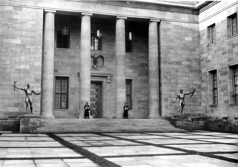 The New Reich Chancellery's Courtyard of Honor in 1939.