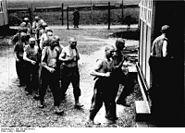 Bundesarchiv Bild 183-W0724-310, Polnische Zwangsarbeiter