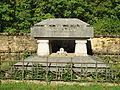 Buzancy-FR-08-cimetière-sépulture Gilbert-02.jpg
