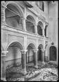 CH-NB - Venthône, Château d'Anchettes, Cour, vue partielle - Collection Max van Berchem - EAD-7658.tif