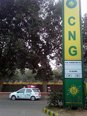 Transport in Delhi - Radio taxi powered by CNG