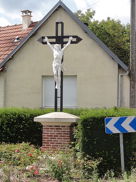 Caillouël-Crépigny (Aisne) croix de chemin