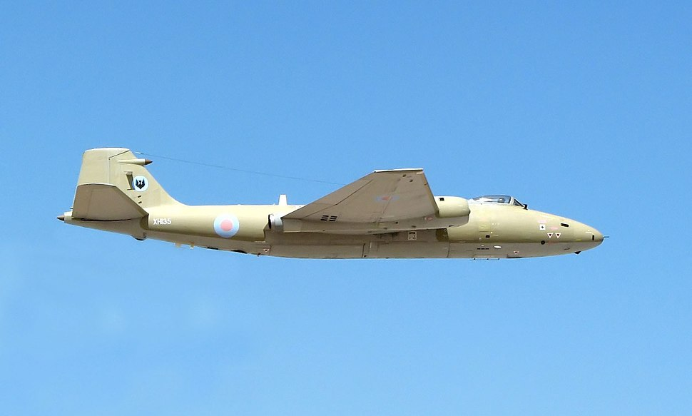 Canberra.pr9.takeoff.arp