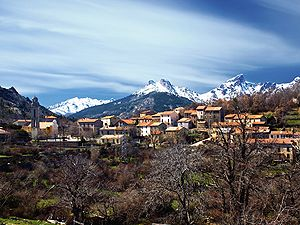 Casamaccioli - A view of the village and the Paglia Orba