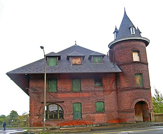 Scranton station (Central Railroad of New Jersey) - Vacant station building in 2007