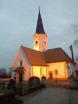Cerkev Gomilsko.jpg