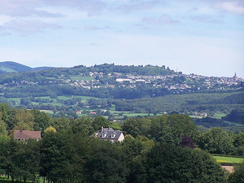 Château-Chinon (Ville): vue depuis le village de Dommartin